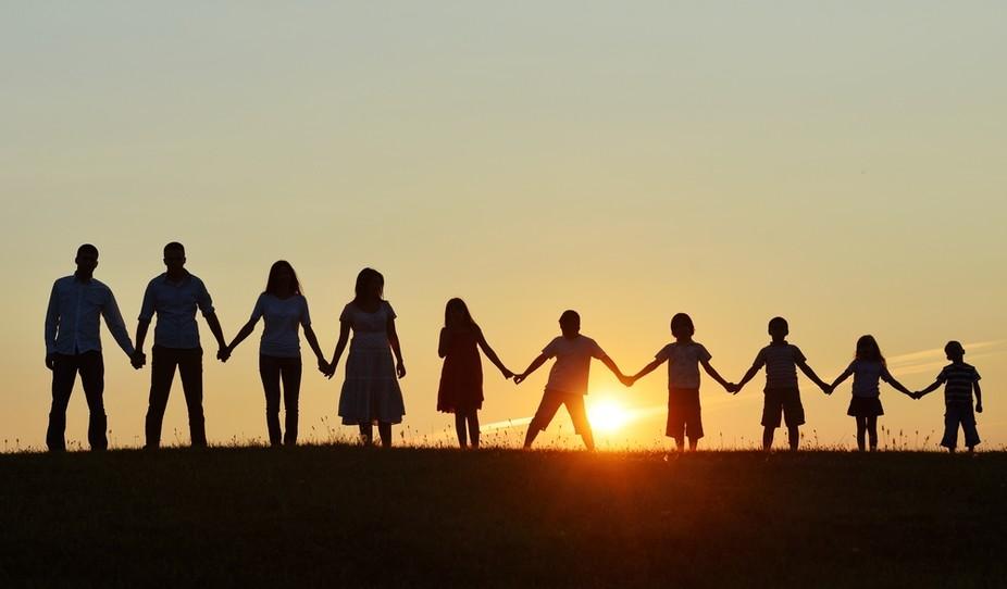Manifestation en faveur de la famille étendue | 20/03/2067