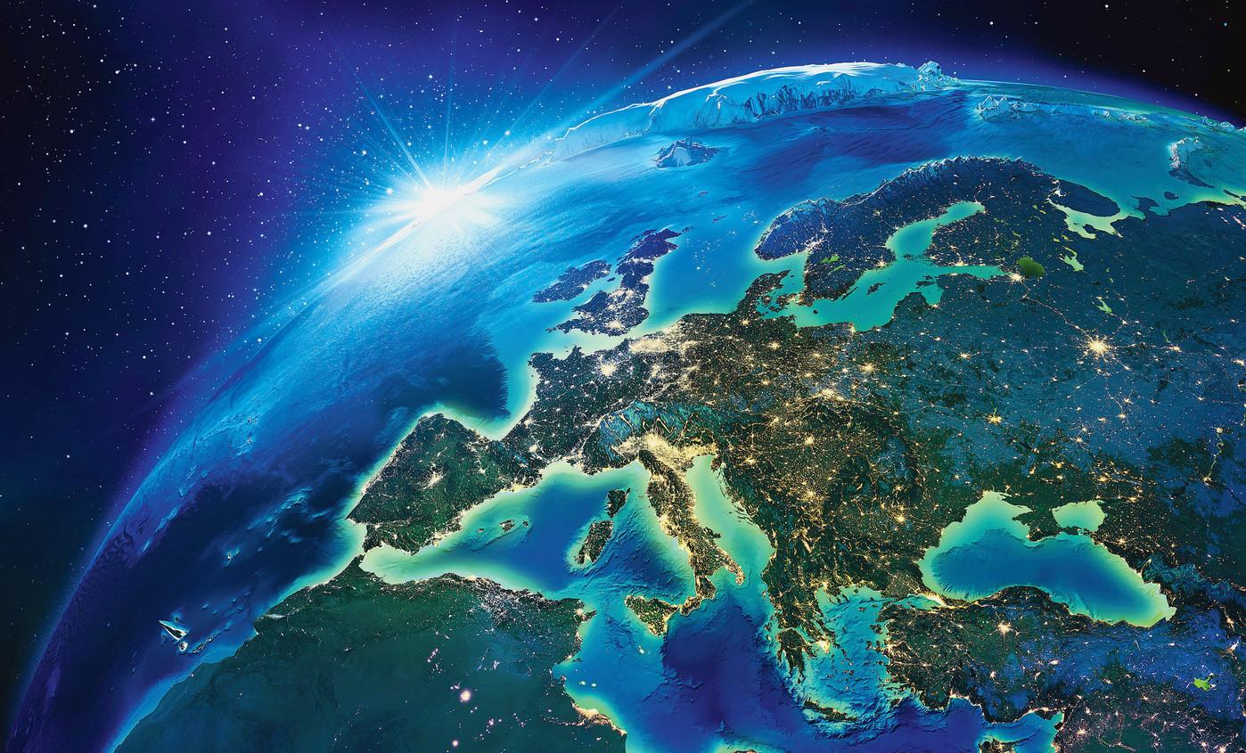 Politique | L'Europe doit-elle se doter d'une nouvelle constitution ? | 15/07/2069