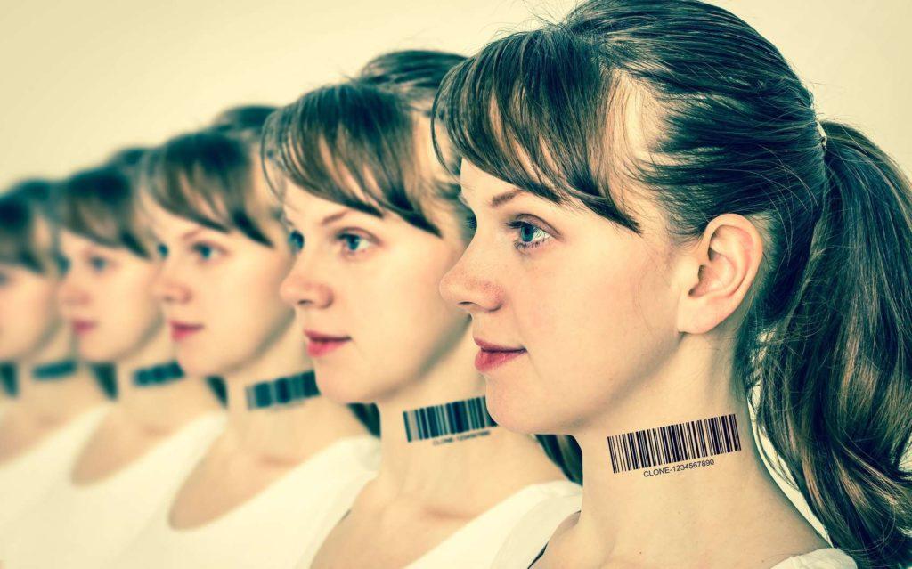 Clonages humains | Des fausses identités pour se fondre dans la masse | 07/10/2069
